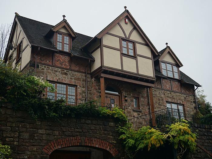 Dean Oak Timber House